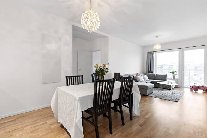Bild: 2 rum bostadsrätt på Kamomillgatan 8, Örebro kommun Sörbyängen