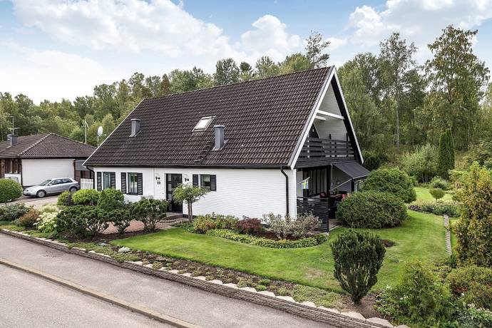 Bild: 6 rum villa på Ryttargatan 66, Köpings kommun Köping