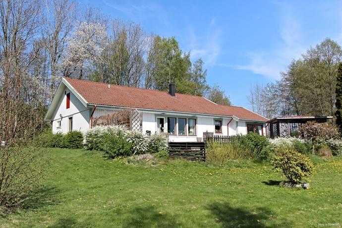 Bild: 6 rum villa på Junibacken 1, Lidköpings kommun Kållandsö