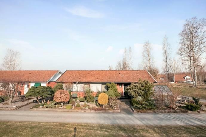 Bild: 4 rum villa på Holmvägen 8, Hallsbergs kommun Hallsberg