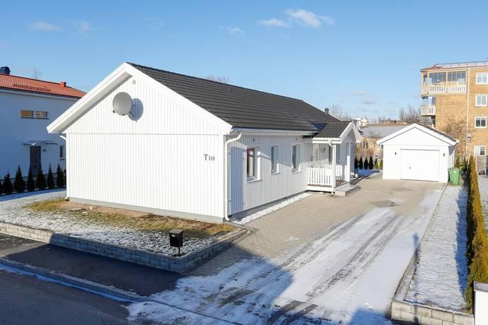 Bild: 4 rum villa på Sellerivägen 10, Örebro kommun Sörbyängen