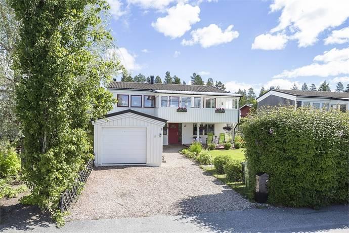 Bild: 7 rum villa på Morkullevägen 8, Östersunds kommun Odensala