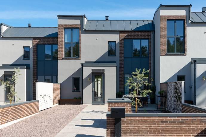 Bild: 5 rum radhus på Skogstorpsvägen 30, Uppsala kommun Lindbacken