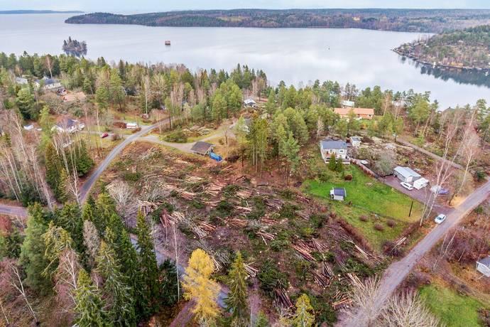 Bild: tomt på Vattubrinksvägen 22, Södertälje kommun Vattubrinken