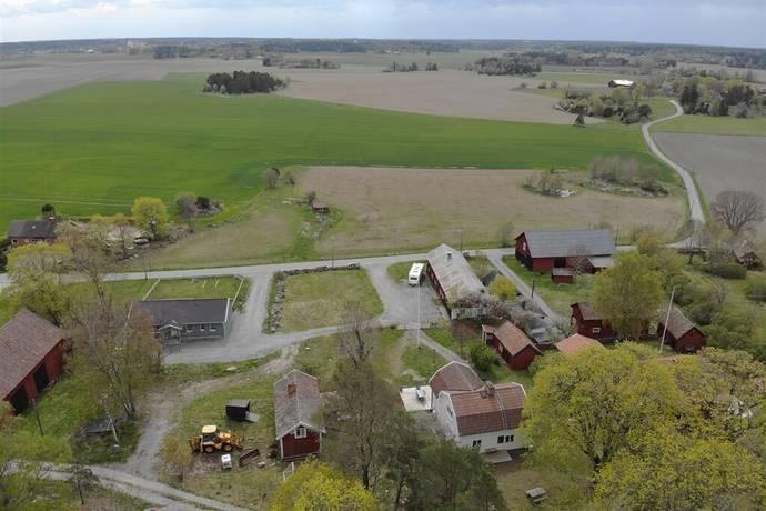 Bild: 4 rum gård/skog på Håsta 227, Sigtuna kommun Märsta, landsbyggd