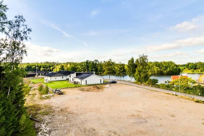 Bild: tomt på Kvarnvägen 3, Markaryds kommun Strömsnäsbruk