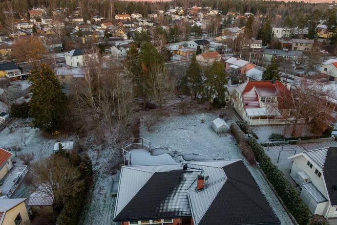 Bild: tomt på Lundavägen 9A, Järfälla kommun Barkarby