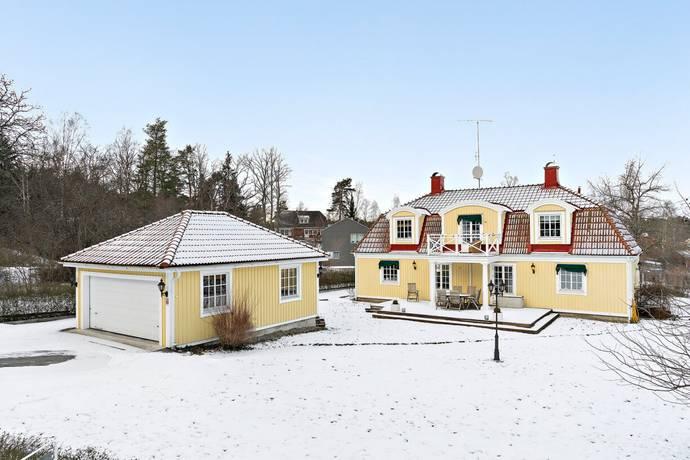 Bild: 6 rum villa på Nytorpsvägen 4, Nacka kommun Boo Gård