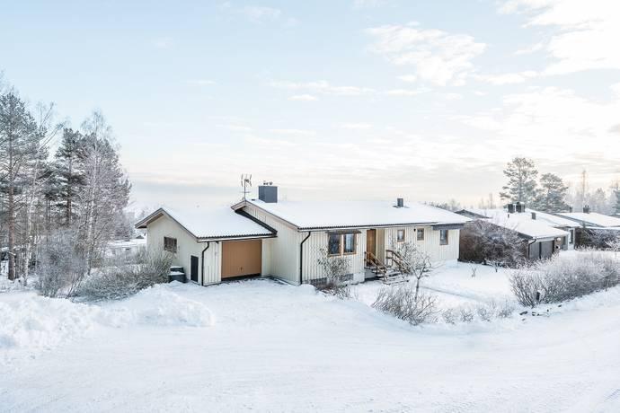Bild: 8 rum villa på Jupitervägen 18, Sundsvalls kommun Övre Bredsand
