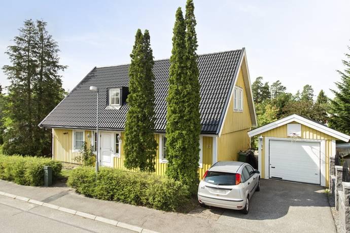 Bild: 5 rum villa på Lokegatan 17, Sigtuna kommun Valsta