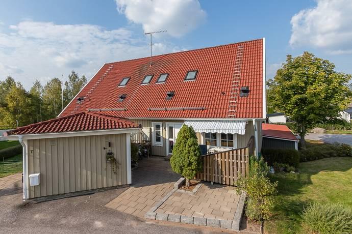 Bild: 4 rum radhus på Sagovägen 3T, Vimmerby kommun Snövit