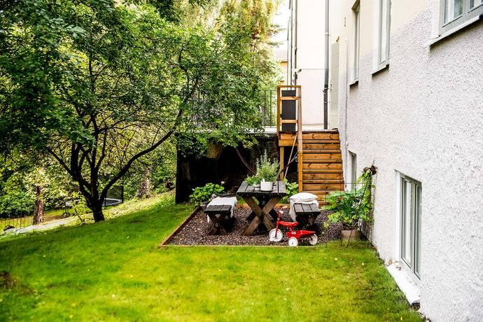 Bild: 7 rum bostadsrätt på Skåpvägen 7, Egen ingång, Stockholms kommun Gubbängen - Enskede