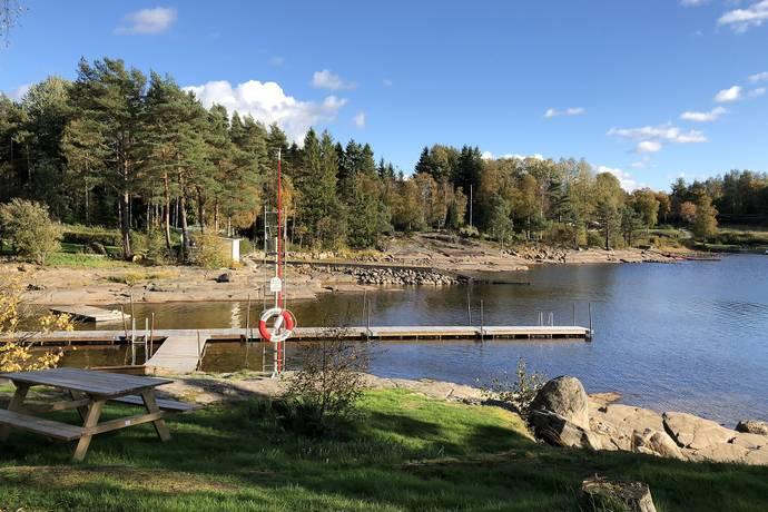 Bild: tomt på Jägmästarvägen, Marks kommun HÄLLINGSJÖ