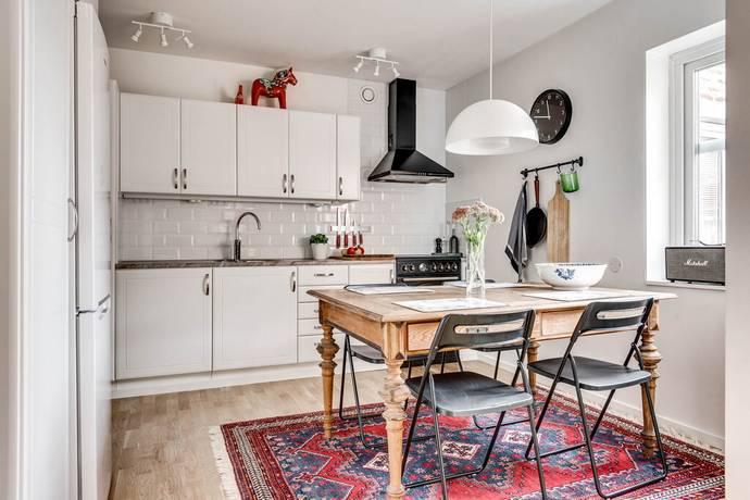 Bild: 2 rum bostadsrätt på Mejramvägen 105, Örebro kommun Sörbyängen