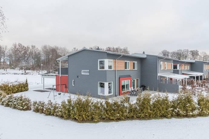 Bild: 5 rum radhus på Solbackavägen 25, Västerås kommun