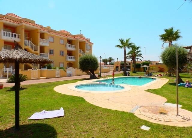 Bild: 3 rum bostadsrätt på Inglasad Balkong / Fin urbanisation, Spanien 3:a med fin pool
