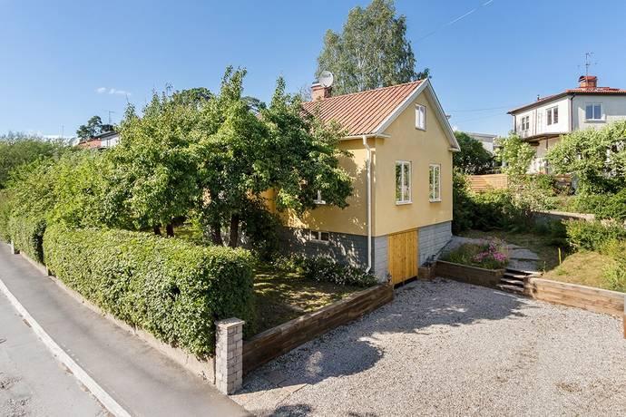 Bild: 5 rum villa på Gårdsfogdevägen 46, Stockholms kommun Mariehäll
