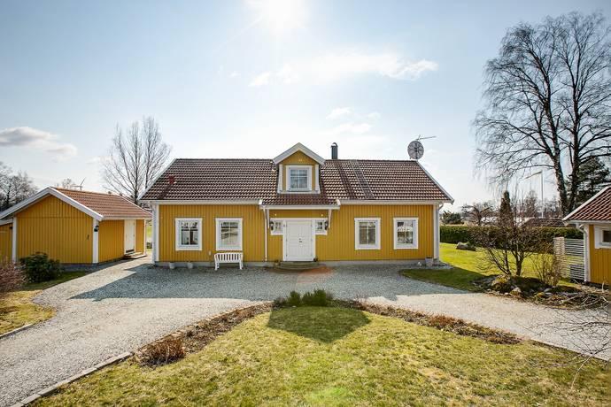 Bild: 7 rum villa på Almas väg 5, Örebro kommun Sjöboviken