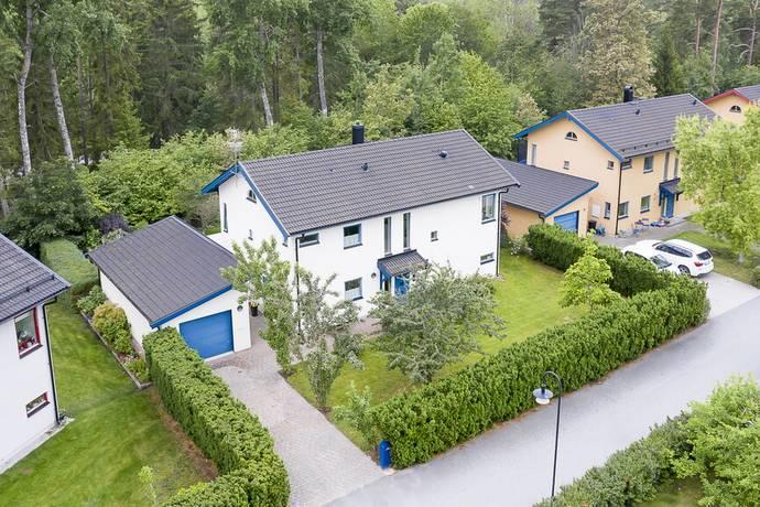 Bild: 5 rum villa på Granelidsvägen 39, Uppsala kommun Södra Gottsunda