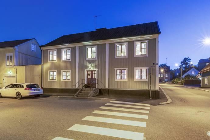 Bild: 8 rum villa på Västra Långgatan 21, Karlshamns kommun Karlshamn