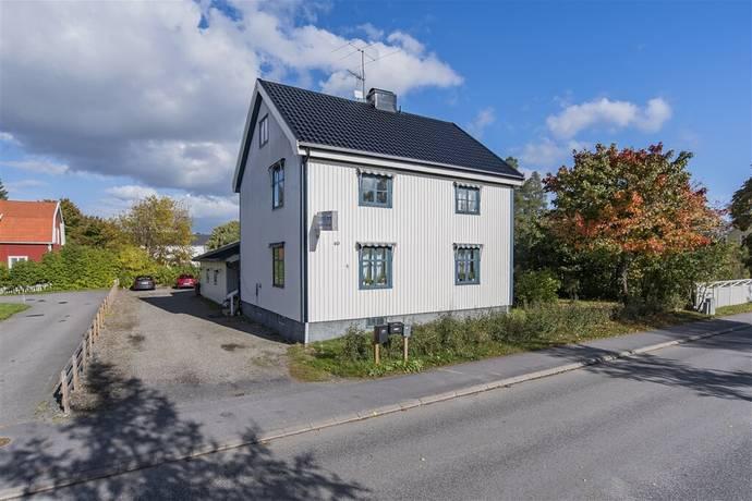 Bild: villa på Backenvägen 40, Umeå kommun Grisbacka