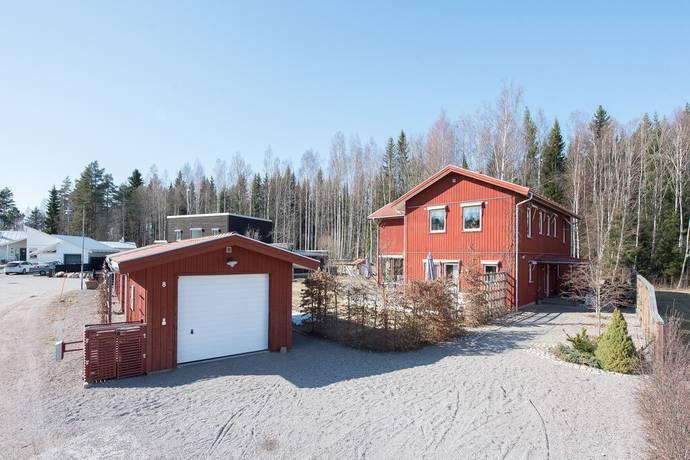 Bild: 8 rum villa på Erik Wargs väg 8, Gävle kommun Hagaström