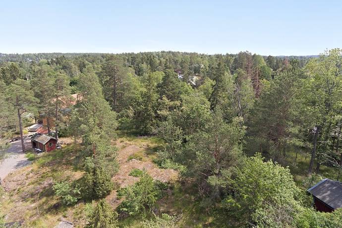 Bild: tomt på Sångfågelvägen 5, Nacka kommun Kummelnäs