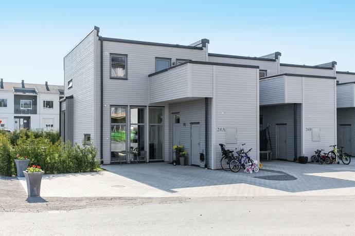 Bild: 5 rum radhus på Dammgatan 24 A , Knivsta kommun Alsike