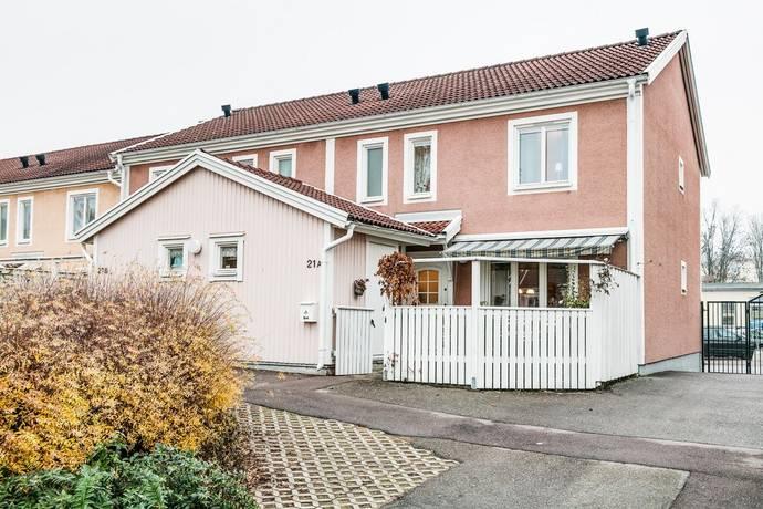 Bild: 4 rum radhus på Dammgatan 21A, Oskarshamns kommun Centrala Oskarshamn