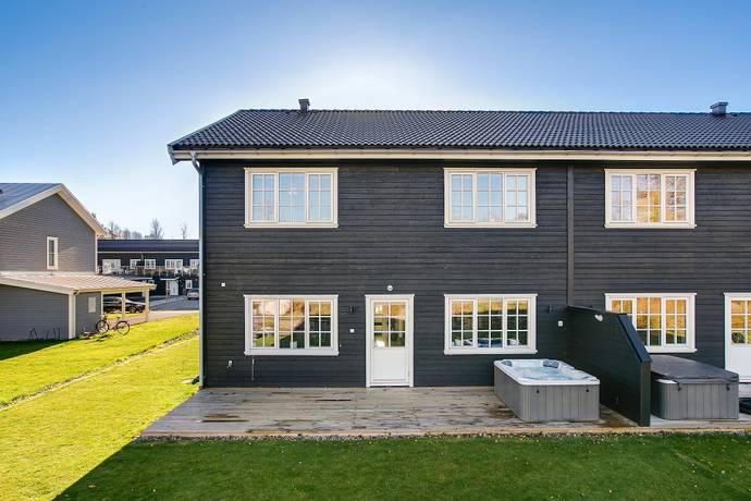 Bild: 6 rum bostadsrätt på Tallsoppsvägen 6, Örebro kommun Ekeby-Almby
