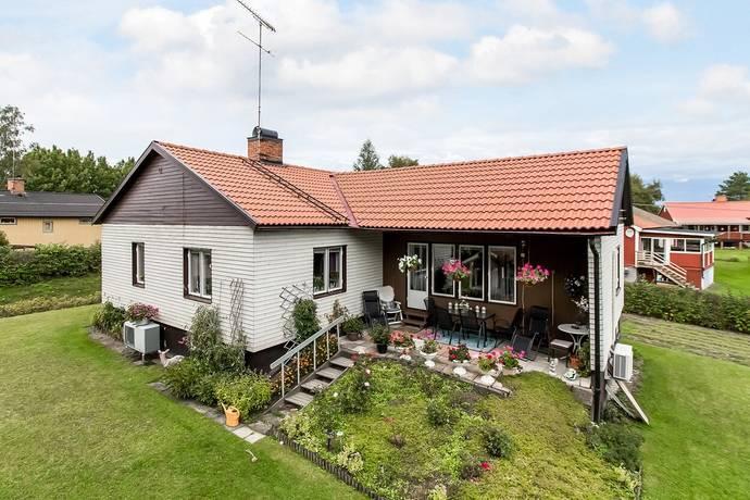 Bild: 4 rum villa på Bruksvägen 4, Heby kommun