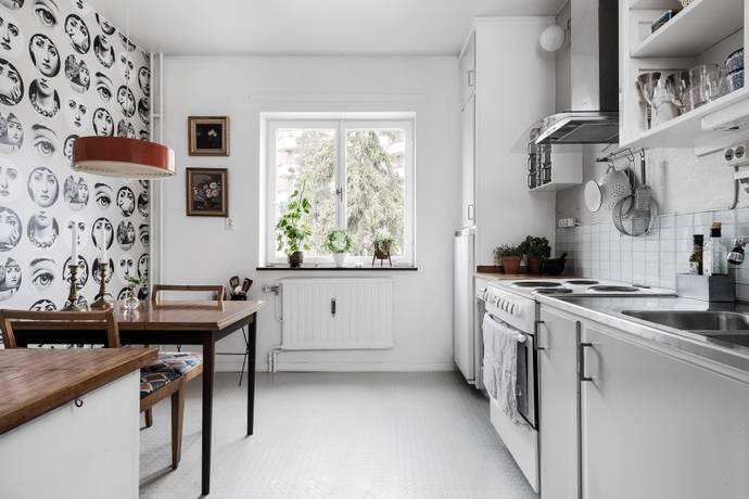 Bild: 3 rum bostadsrätt på Simrishamnsvägen 5, 2 tr, Stockholms kommun Björkhagen