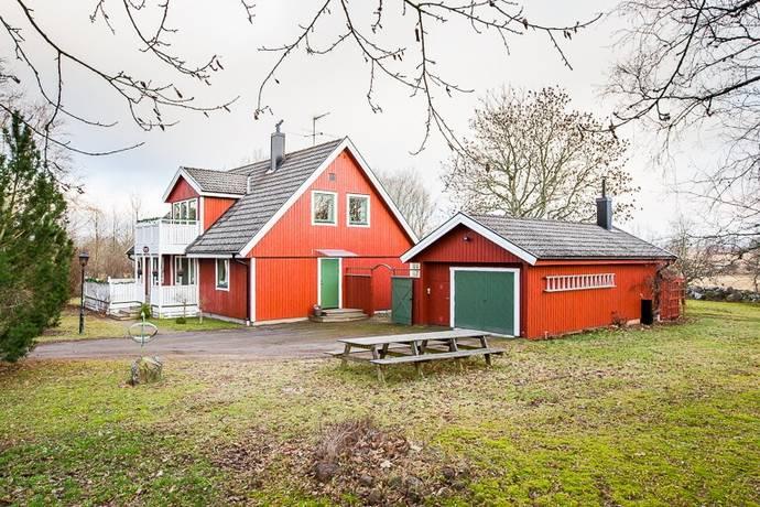 Bild: 7 rum villa på Kampavall 4, Skövde kommun Berg