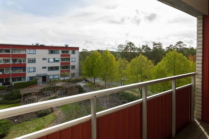 Bild: 2 rum bostadsrätt på Svartkärrsvägen 16, högst upp i huset!, Nacka kommun Saltsjöbaden / Igelboda