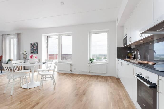 Bild: 3 rum bostadsrätt på Lagmansbacken 3, Botkyrka kommun Alby - Norsborg