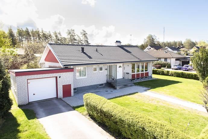 Bild: 6 rum villa på Björnstigen 5, Kristinehamns kommun Djurgården