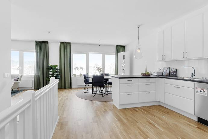 Bild: 6 rum villa på Storhagenvägen 44, Österåkers kommun Kvisslingby - Storhagens Gård