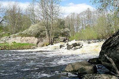 Bild: fritidshus på Ämmenäs Kvarngatan 8, 10, 12, Hultsfreds kommun Småland