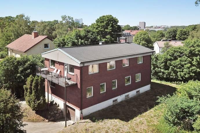Bild: 9 rum villa på Frustunavägen 44a, Stockholms kommun Örby