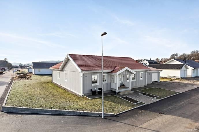 Bild: 5 rum villa på Vildängsvägen 18, Lilla Edets kommun Ström