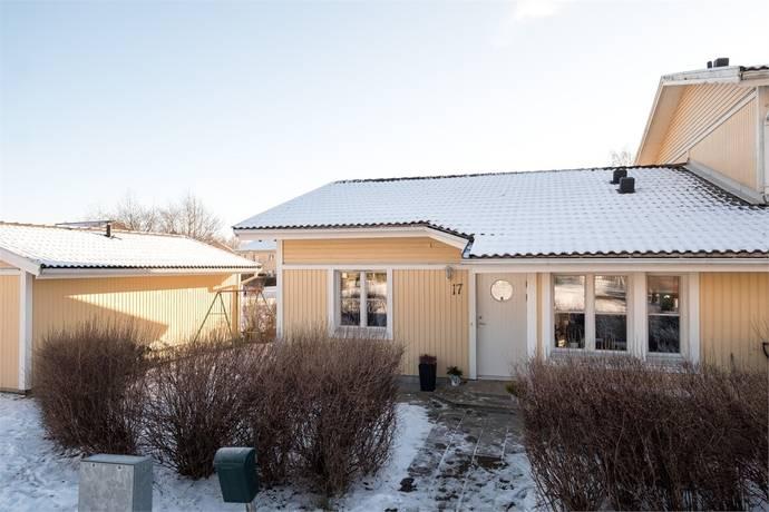 Bild: 3 rum radhus på Kuskvägen 17, Håbo kommun Bålsta - Gillmarksbyn