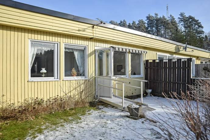 Bild: 2 rum radhus på Skridskogatan 6, Uddevalla kommun Fasseröd