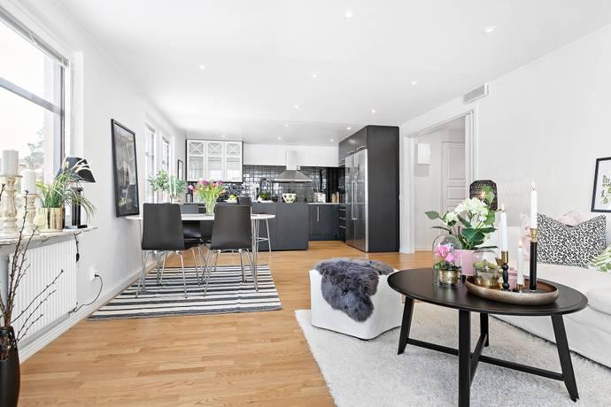 Bild: 4 rum bostadsrätt på Trombonstigen 1, Upplands-Bro kommun Kungsängen/Brunna