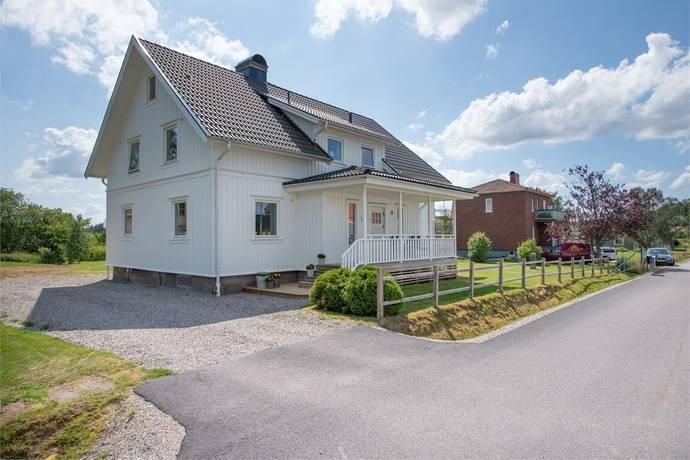Bild: 6 rum villa på Stationsvägen 10, Uddevalla kommun Hogstorp