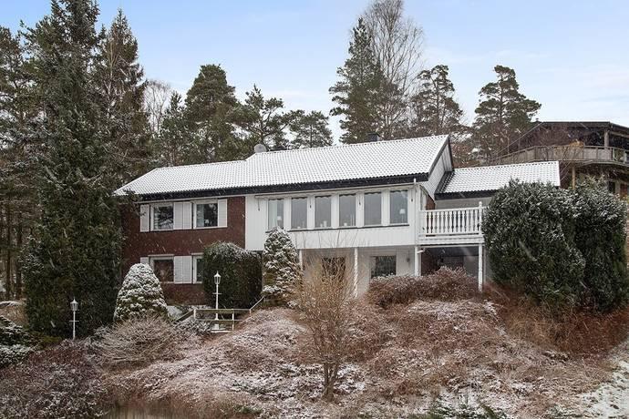 Bild: 9 rum villa på Nedre Axåsvägen 33, Lerums kommun Lerum - Aspenäs