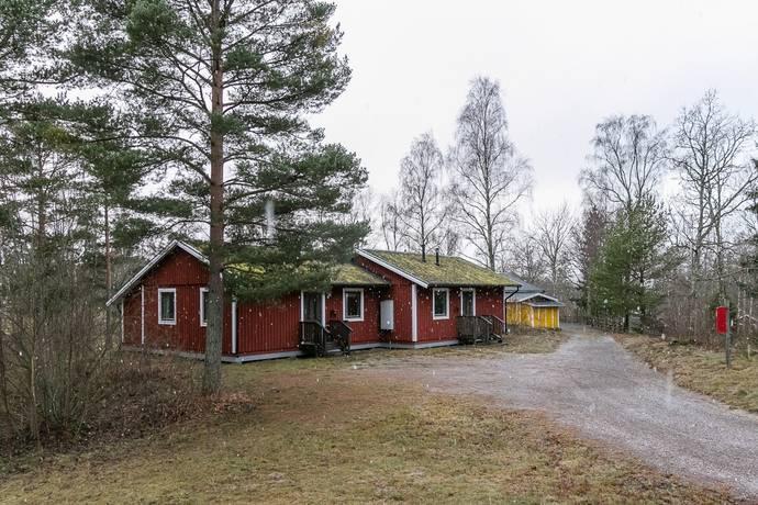 Bild: 6 rum radhus på Hasselvägen 71/72, Oskarshamns kommun Figeholm