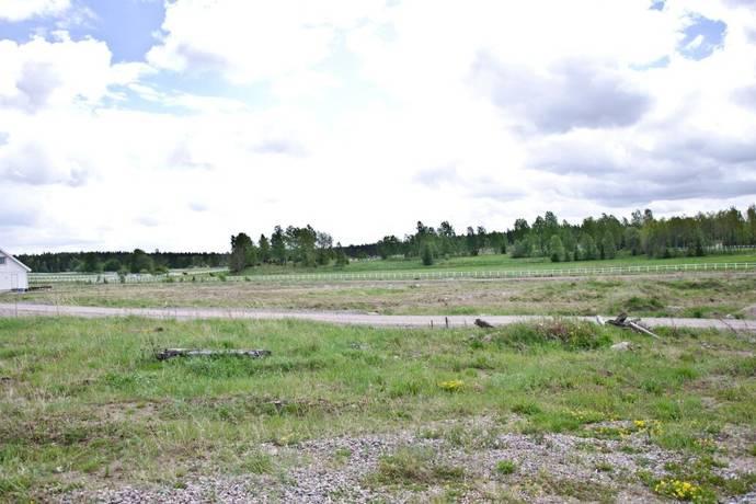 Bild: tomt på Kuskvägen 6, Heby kommun Julmyra - Morgongåva
