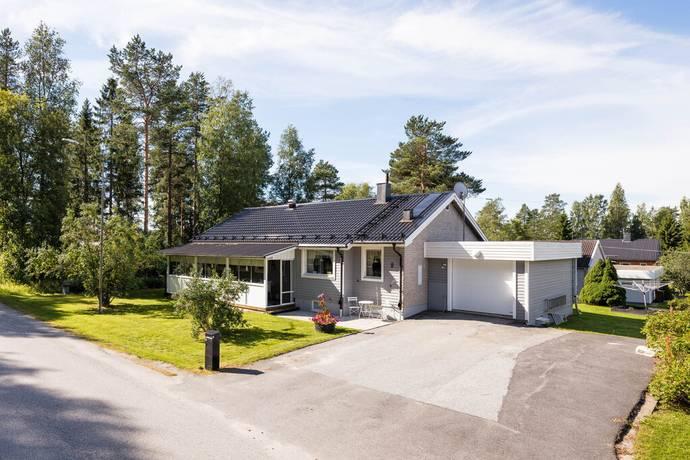 Bild: 6 rum villa på Jaktstigen 8, Örnsköldsviks kommun Domsjö