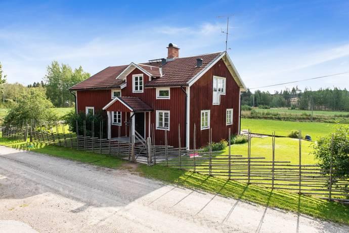 Bild: 190 m² villa på Uggelfors 7, Skinnskattebergs kommun Riddarhyttan