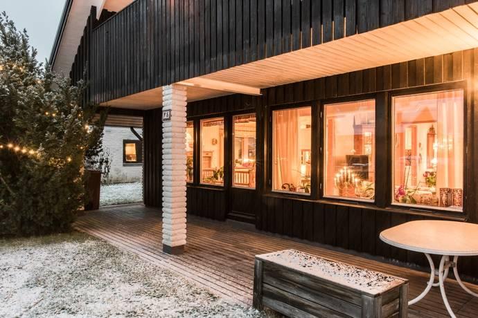 Bild: 5 rum villa på Juravägen 5, Västerås kommun Hökåsen